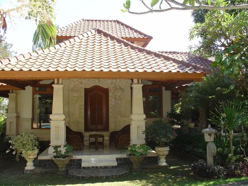 Front view villa Jepun - Hidden treasure in beautiful scenery of North Bali - Lovina Beach - rentals