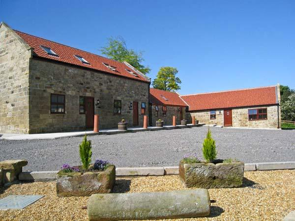 THE CALF HOUSE, pet friendly, country holiday cottage, with a garden in Lingdale, Ref 7404 - Image 1 - Saltburn-by-the-Sea - rentals