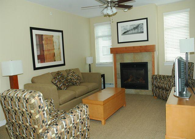 Living room w/Sofa Sleeper - Walk to the slopes from this Fraser Crossing two bedroom. - Winter Park - rentals
