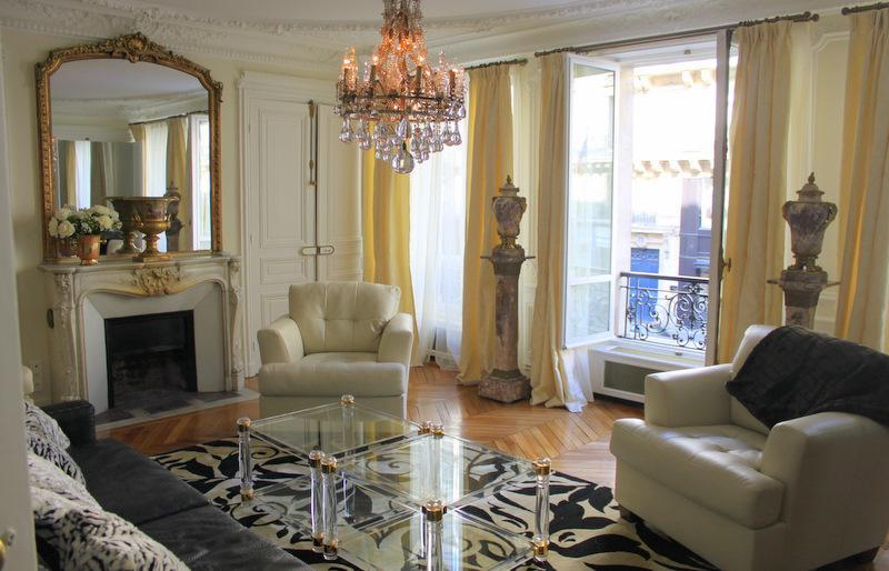 The living room in the daytime. - Paris, France - Vacation Apartment with WiFi - Luxury Residence in the Heart of St Germain! - 6th Arrondissement Luxembourg - rentals