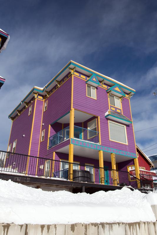The street side view of Purple Palace - Ski In/Out 4+ Bedroom Home w/Rooftop Hot Tub - Silver Star Mountain - rentals
