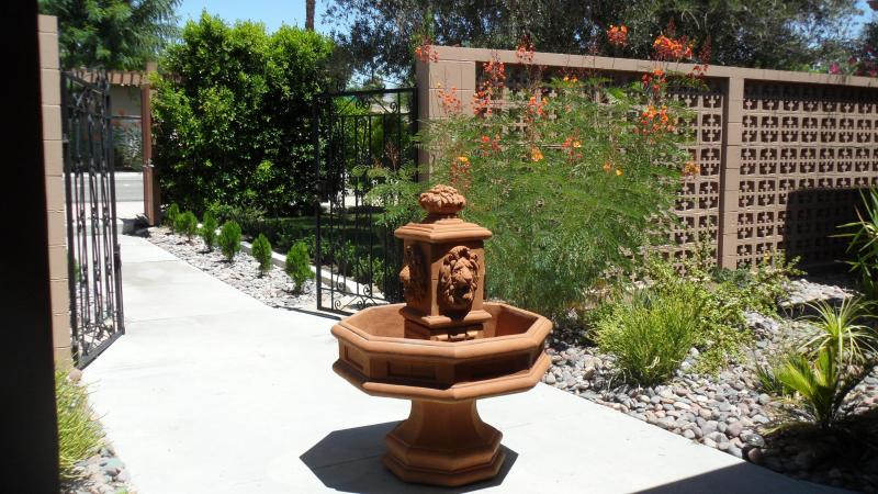 fountain greets you as you - 5 bedroom Mini Estate former movie star home - Palm Springs - rentals