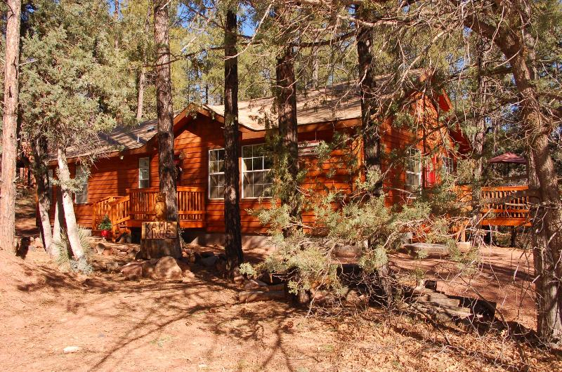 Kamp Kiwis Has Been Designed To Be YOUR Vacation Home During Your Stay - Escape The Heat! Stay And Enjoy Our Nature Trail - Pine - rentals