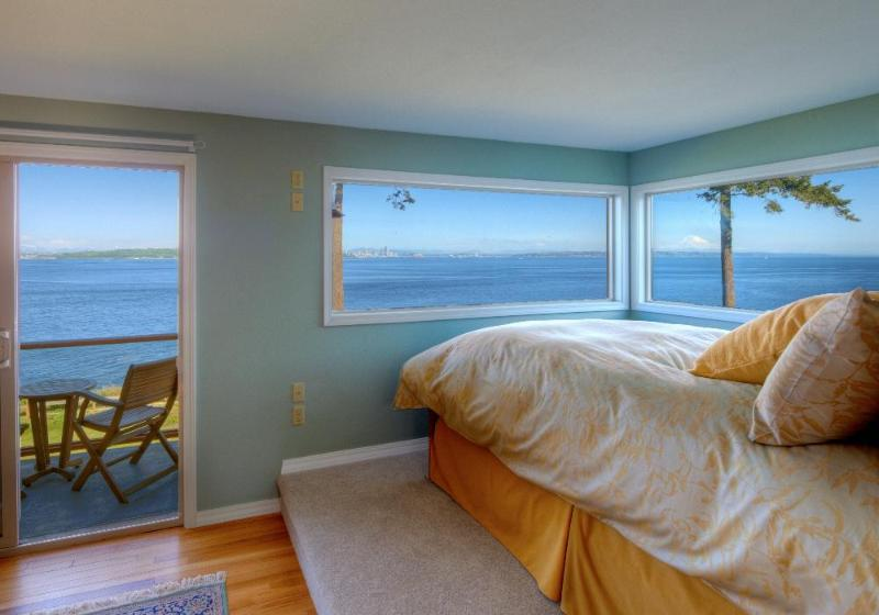 Rising Moon Beach House Waterfront Vacation Rental - Image 1 - Bainbridge Island - rentals