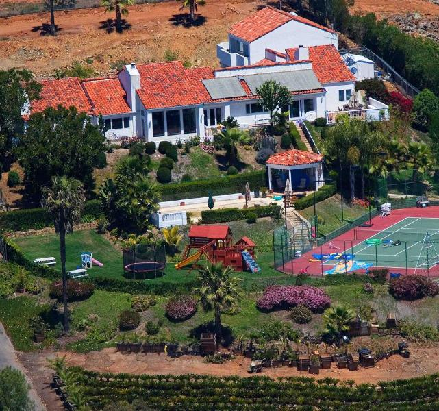 Gated playground estate on secluded hilltop - Tennis Ranch Estate By The Sea - San Diego - rentals