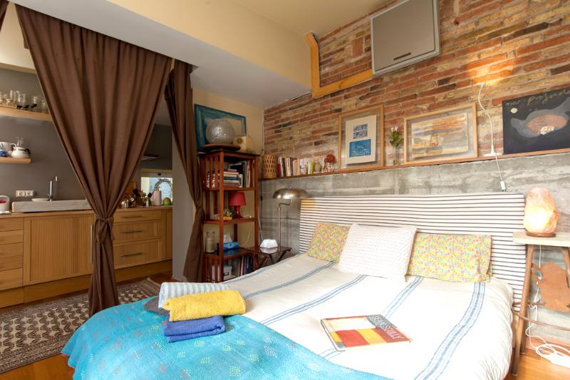 Doble bedroom - Charming studio w/ private terrace close to city center - Barcelona - rentals