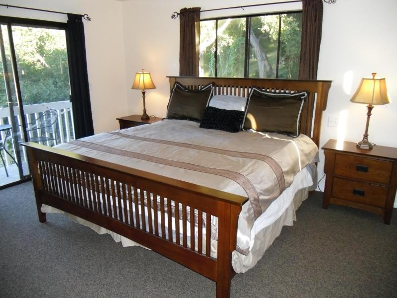 Gorgeous bedroom-private full bath in Guest House - Hillside Retreat Guest House 4 min2Downtown,Bch! - Santa Barbara - rentals