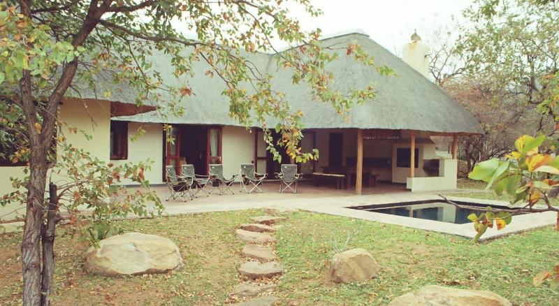 Patio - Luxury bushveld lodge bordering on Kruger Park - Phalaborwa - rentals