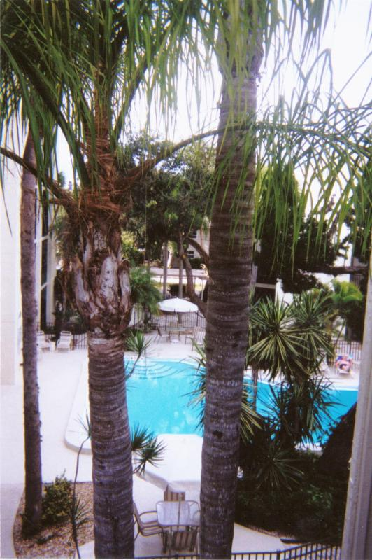 View from balcony off living room - Beautiful, Clean, Spacious Townhome on  Siesta Key - Siesta Key - rentals