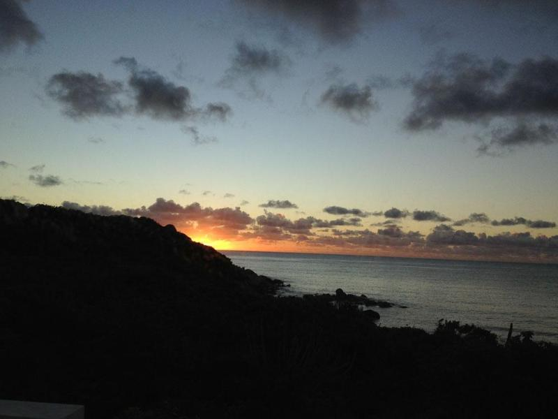 Sunrise at Bayhouse - New Modern Beachfront Villa, 180 Views, Pool, 3BR - Virgin Gorda - rentals