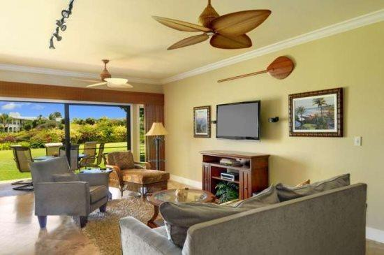 living room - Free Car* with Poipu Sands 412 - Beautiful 2 bedroom/2 bath steps away from Shipwreck Beach - Poipu - rentals