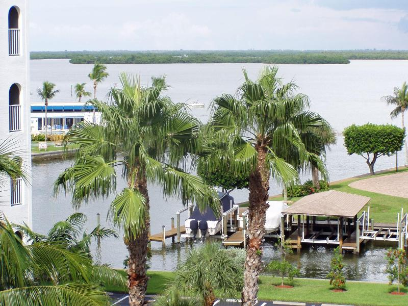 View of Bay - Casa Marina (2 Bd,2 Bth) Modern Condo - Dec 2014 Availability! - Fort Myers Beach - rentals