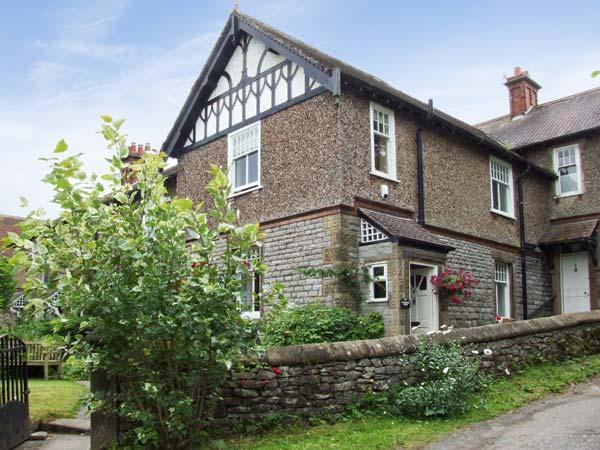 CORNBROOK HOUSE, family friendly, country holiday cottage, with a garden in Ashford-In-The-Water, Ref 7356 - Image 1 - Ashford in the Water - rentals