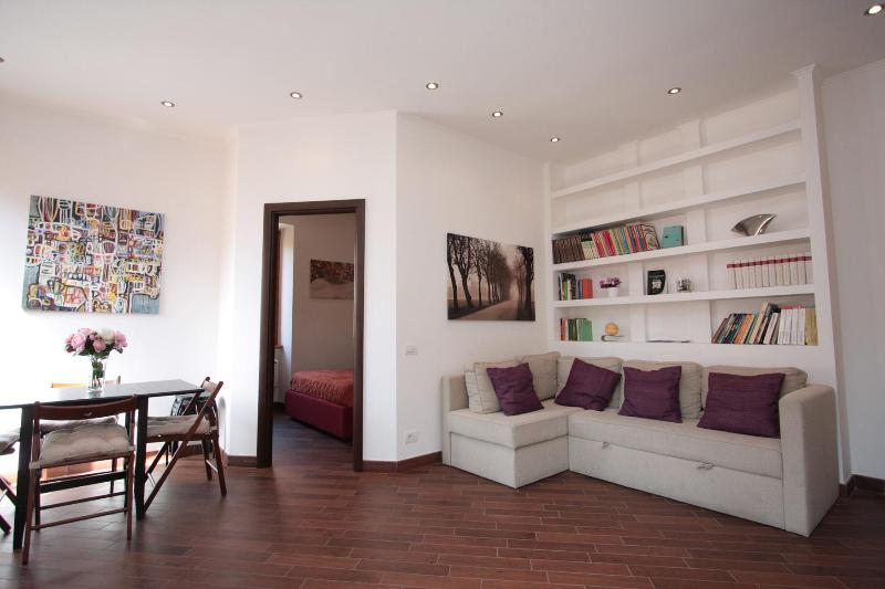living room - Best deal: near metro + Wi-Fi from euro 500/week - Rome - rentals