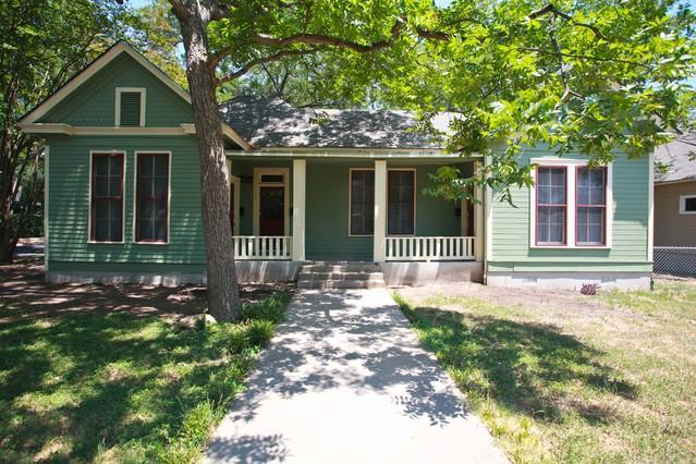 Historic home built in 1915 - Beautiful Hyde Park Home Central Austin 1200 sq ft - Austin - rentals