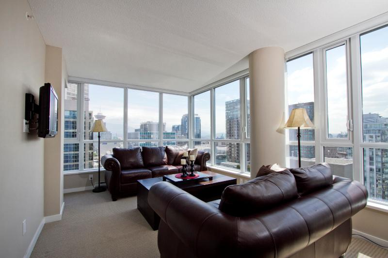 D30 - 2 BR Corner suite with views in downtown - Image 1 - Vancouver - rentals