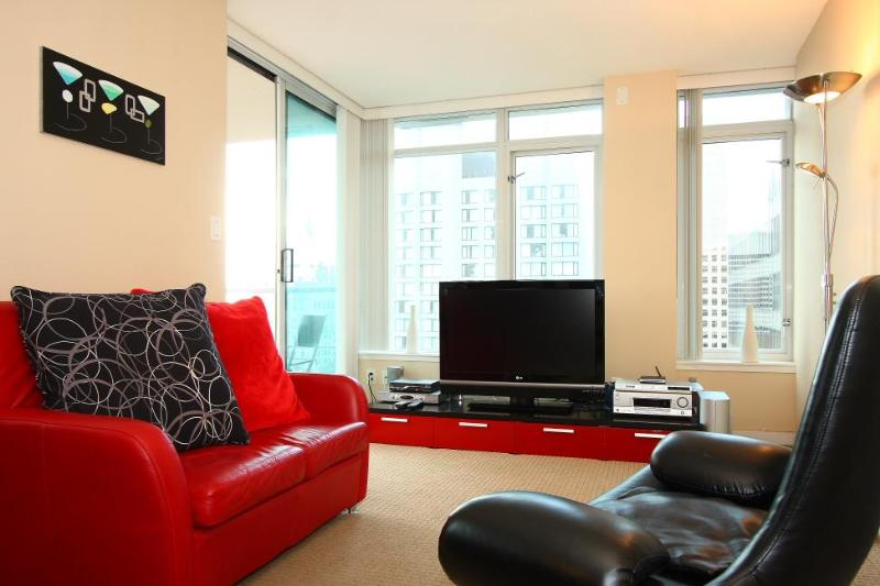 D2 - Heart of Downtown Upscale Stylish 1 Bedroom - Image 1 - Vancouver - rentals