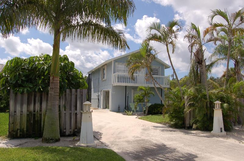 Nicely Landscaped Vacation Rental - Two Story Pool Home Close To The Beach! - Hobe Sound - rentals