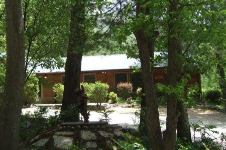 Mike's Place at Asheville Cabins of Willow Winds - Image 1 - Asheville - rentals