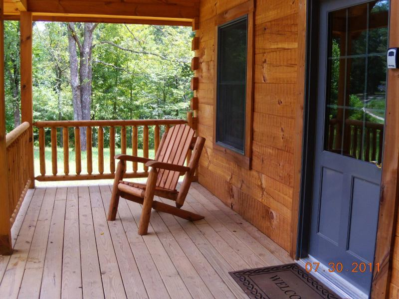 Front Porch - Log cabin in French Lick IN hot tub full kitchen - French Lick - rentals