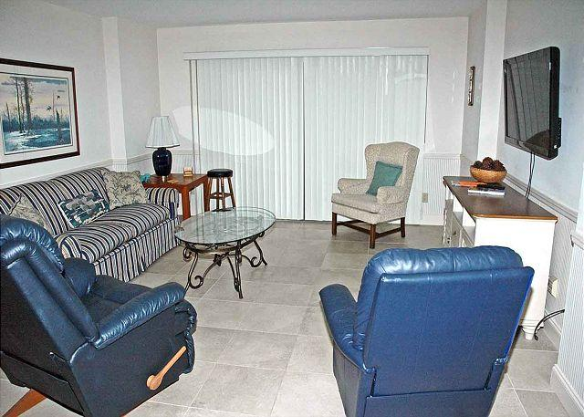 Ocean One 322 Living Area - Ocean One 322 - Oceanside 3rd Floor Condo - Hilton Head - rentals