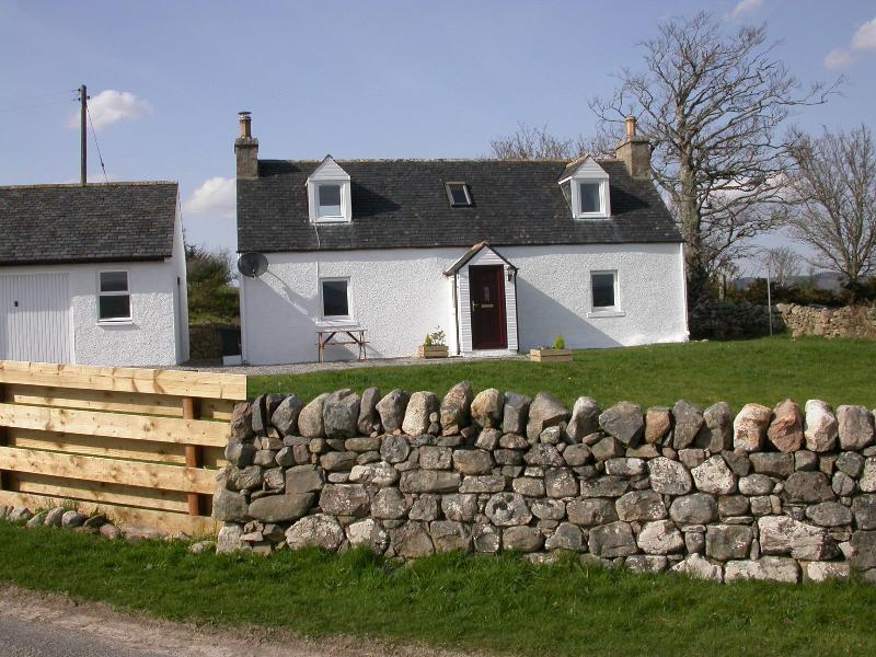 Ploughmans Cottage - 2 bed self catering cottage in Scottish Highlands - Ardgay - rentals