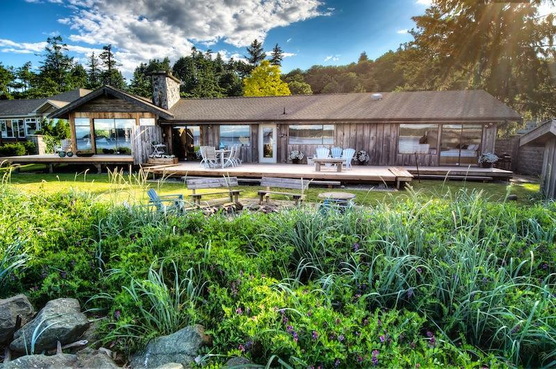 Exclusive Vancouver Island Beach House - Image 1 - Campbell River - rentals