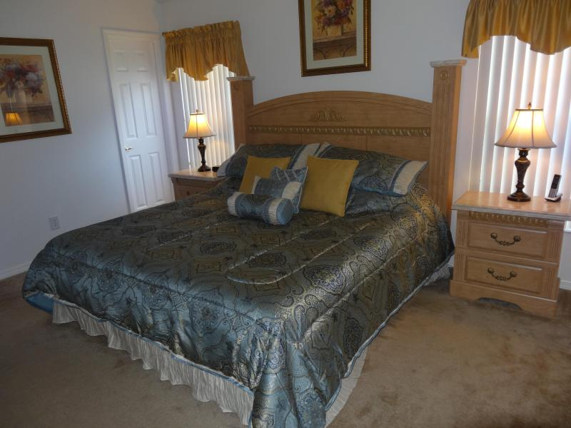 Master bed - 2014 SPECIAL - ALL RATES DISCOUNTED ALREADY BY 15% - Kissimmee - rentals