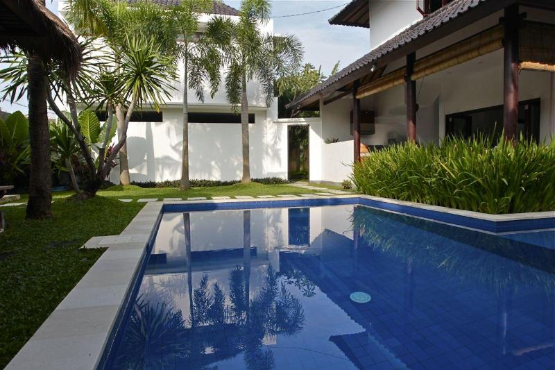 Pool view from side garden - LOCATION ! LOCATION ! MASON VILLA 3 OR 5 BEDROOM ! - Seminyak - rentals