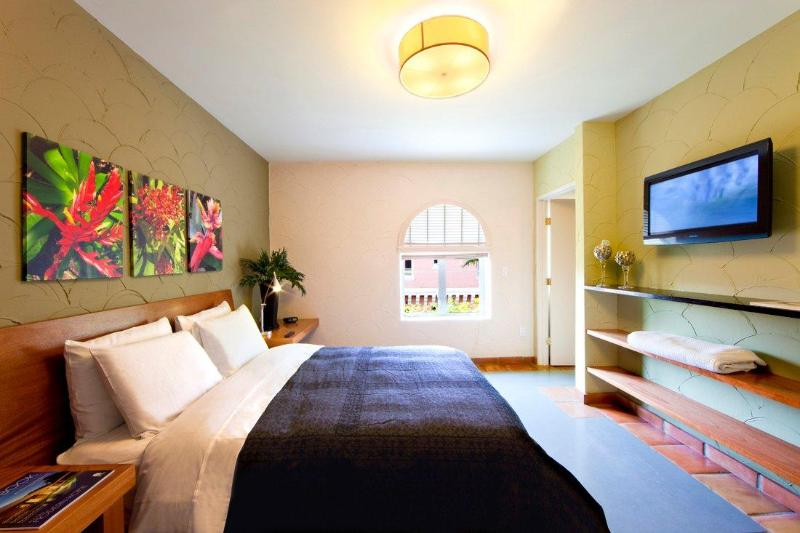 1 Bedroom Suite - Bedroom - Espanola Way Suites South Beach amazing location! - Miami Beach - rentals
