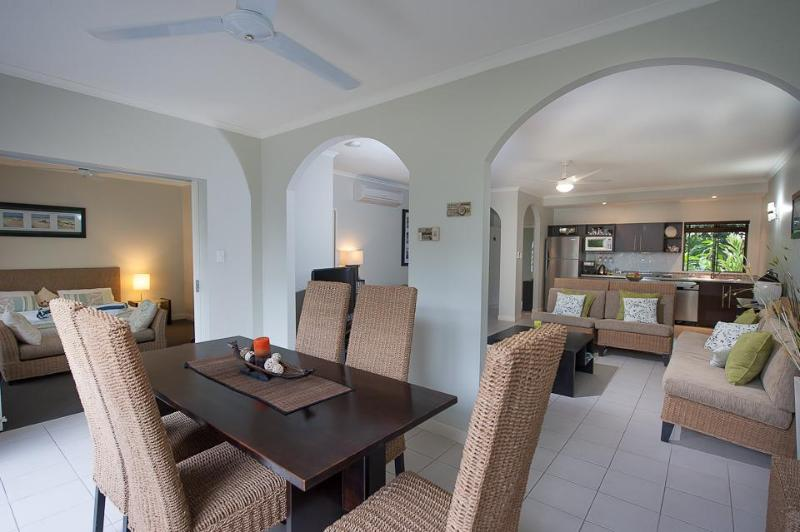 Dining room - TROPICAL Ginger - at Mango Lagoon Resort - Palm Cove - rentals