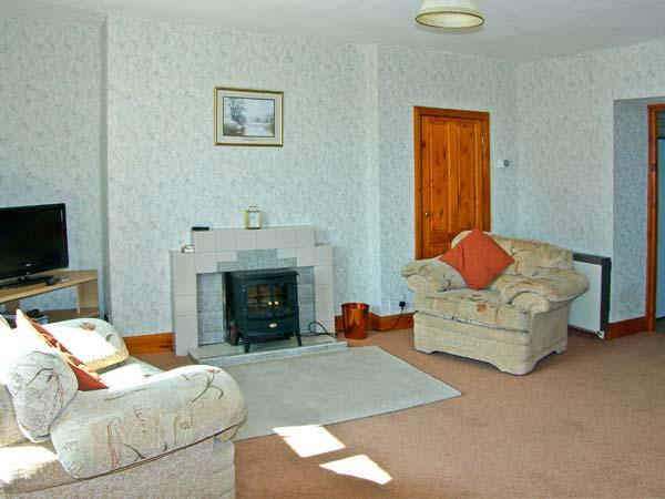 PINE COTTAGE, pet friendly, country holiday cottage, with a garden in Belford, Ref 10383 - Image 1 - Belford - rentals