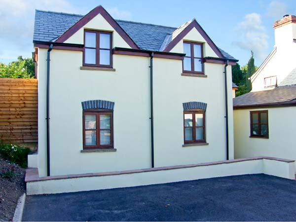 OAK COTTAGE, family friendly, luxury holiday cottage, with a garden in Llanishen, Ref 10346 - Image 1 - Chepstow - rentals