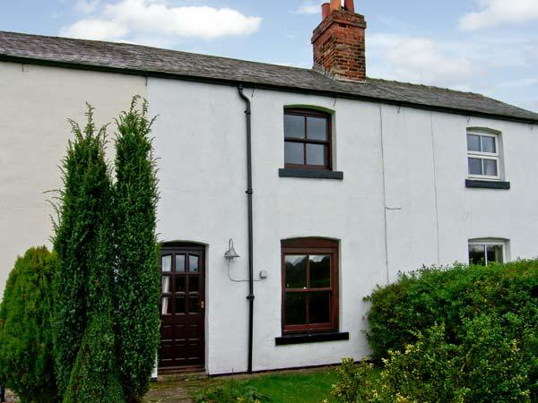 SLEEPERS, pet friendly, country holiday cottage, with a garden in Grosmont Near Whitby, Ref 10220 - Image 1 - Grosmont - rentals