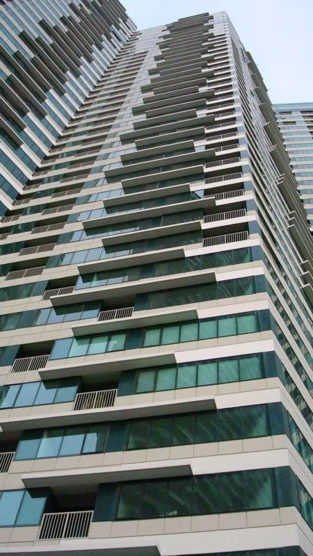 Looking up - 40+ stories! - Lovely 1br Rockwell Condo In Makati with Fab View! - Makati - rentals