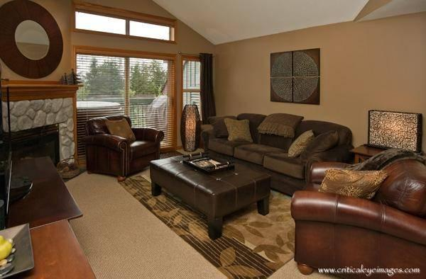 Living Room - Bob and Sandy - Whistler - rentals