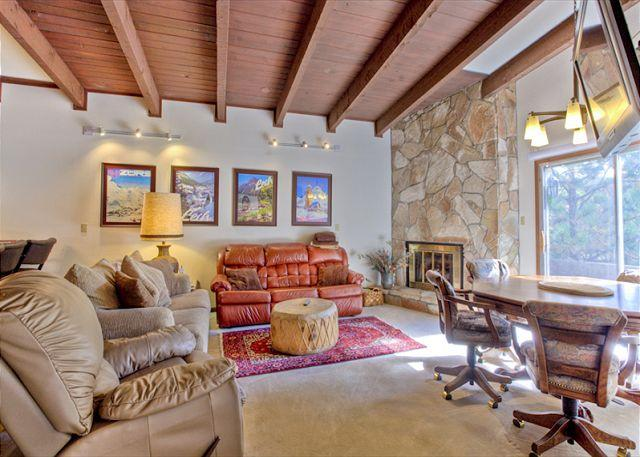 Comfortable House with 3 Bedroom & 3 Bathroom in Angel Fire (W 308) - Image 1 - Angel Fire - rentals