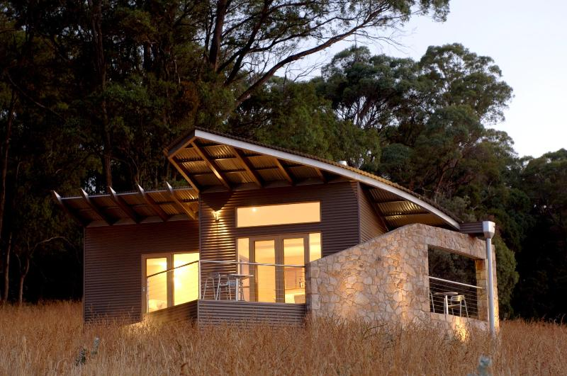 studio two at dusk - The Buckland - Luxury Retreat for couples - Porepunkah - rentals