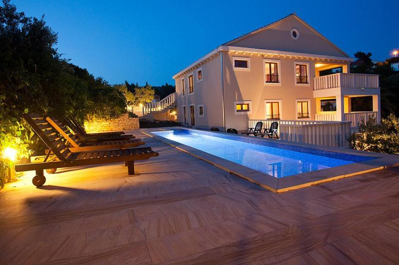Stunning 5 star property, pool, parking & sea view - Image 1 - Island Brac - rentals