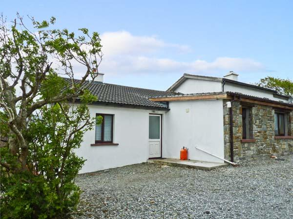 WHITETHORN COTTAGE, pet friendly, with a garden in Tully, County Galway, Ref 9909 - Image 1 - Tully - rentals