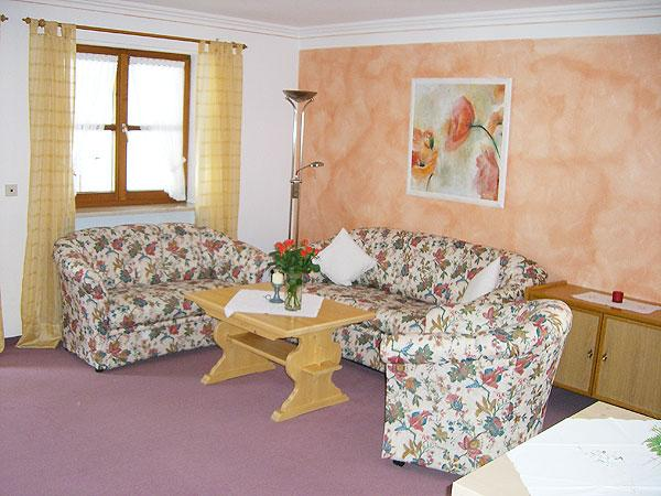 Vacation Apartment in Bad Hindelang - 377 sqft, bread roll delivery, cark park, beautiful lawn (# 1174) #1174 - Vacation Apartment in Bad Hindelang - 377 sqft, bread roll delivery, cark park, beautiful lawn (# 1174) - Bad Hindelang - rentals