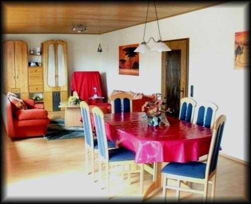 Vacation Apartment in Hohenahr - 1162 sqft, nice, clean, spacious (# 488) #488 - Vacation Apartment in Hohenahr - 1162 sqft, nice, clean, spacious (# 488) - Giessen - rentals