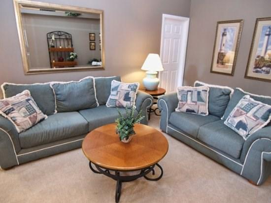 Living Area - FP4P166LRP Comfortable 4 BR Home in Florida Pines with Privacy Screen - Davenport - rentals