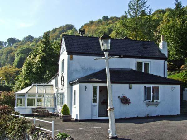 WALNUT TREE COTTAGE, pet friendly, country holiday cottage, with a garden in Symonds Yat, Ref 5346 - Image 1 - Symonds Yat - rentals