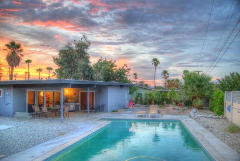 Go for a swim in the resort style pool while the sun sets - Up-to-date Mid-Century! Large VERY Private Pool - Palm Springs - rentals