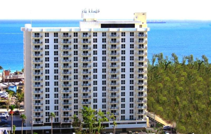 Central Beach Location - Central Beach - 1-Bedroom Condo - Sleeps 6 - Fort Lauderdale - rentals