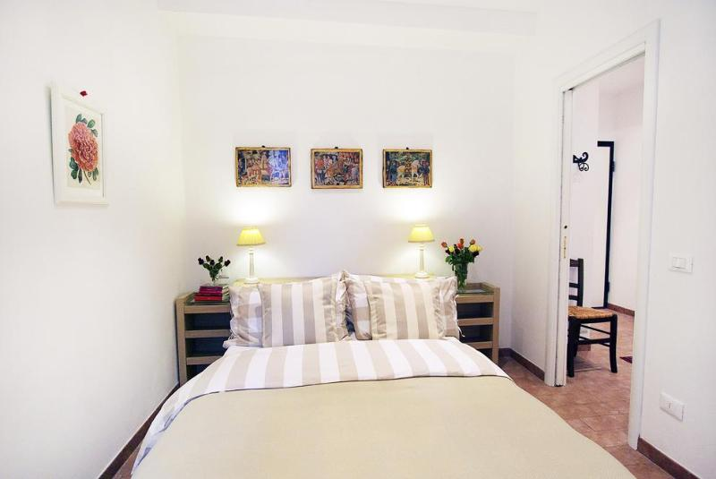 Casa San Giovanni, one bedroom flat sleeps 2+2 guests - Florence Holiday Homes - florenceholidayhomes.com - Florence - rentals