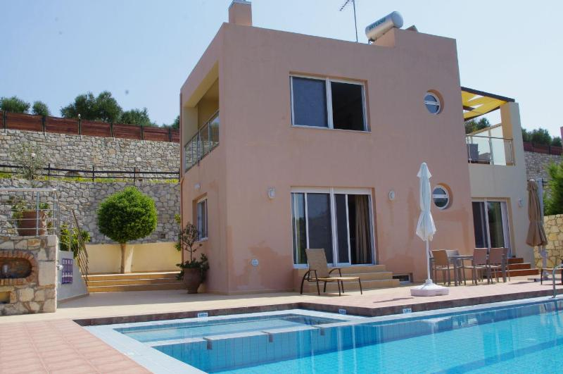 Villa Nefeli with sea view in Agia Marina - Image 1 - Chania - rentals