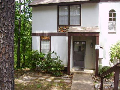 149LaViLn DeSoto Courts Townhome | Sleeps 4 - Image 1 - Hot Springs Village - rentals