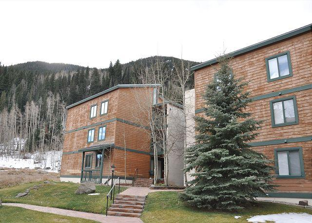 Timber Falls Building 12 - Great three bed two bath condo in East Vail on free bus shuttle - Vail - rentals